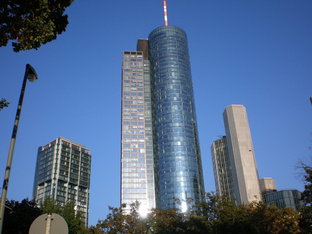 que ver en alrededores de frankfurt Torre de meno