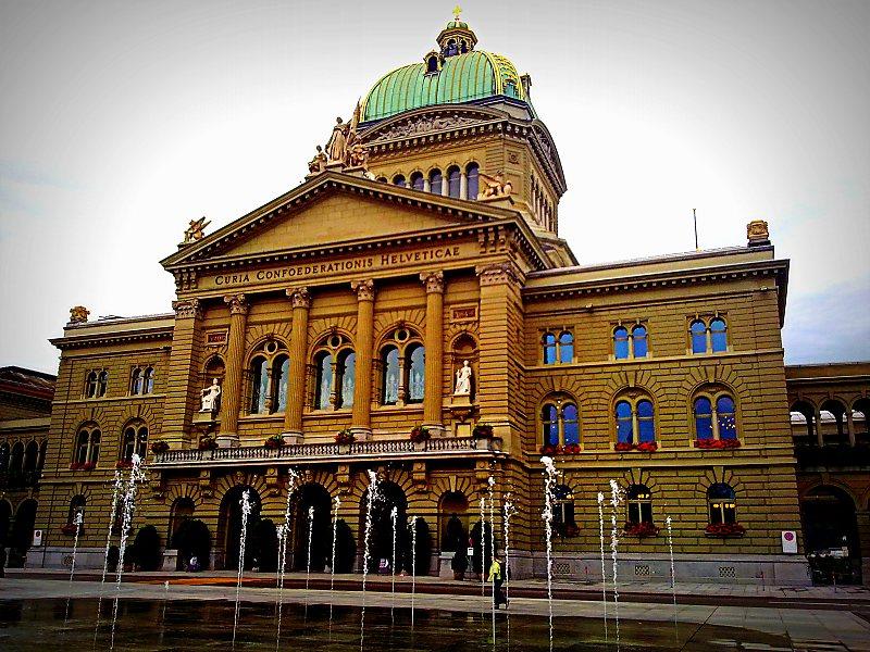 que ver en suiza en agosto palacio federal de suiza