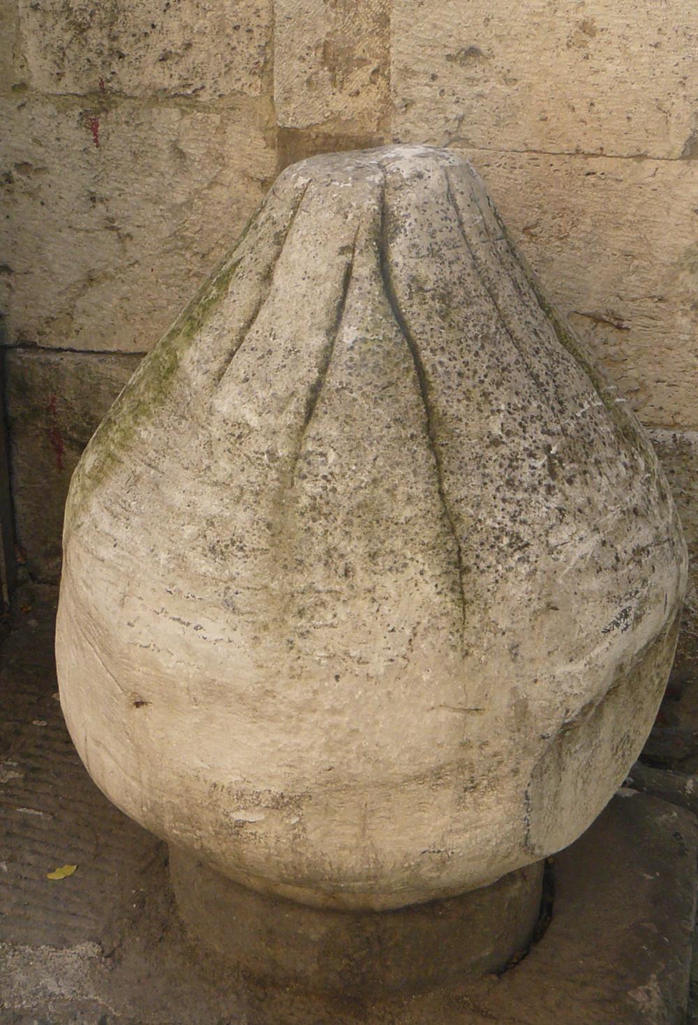 que ver en pisa con niños Pietra Acheruntica Etrusca