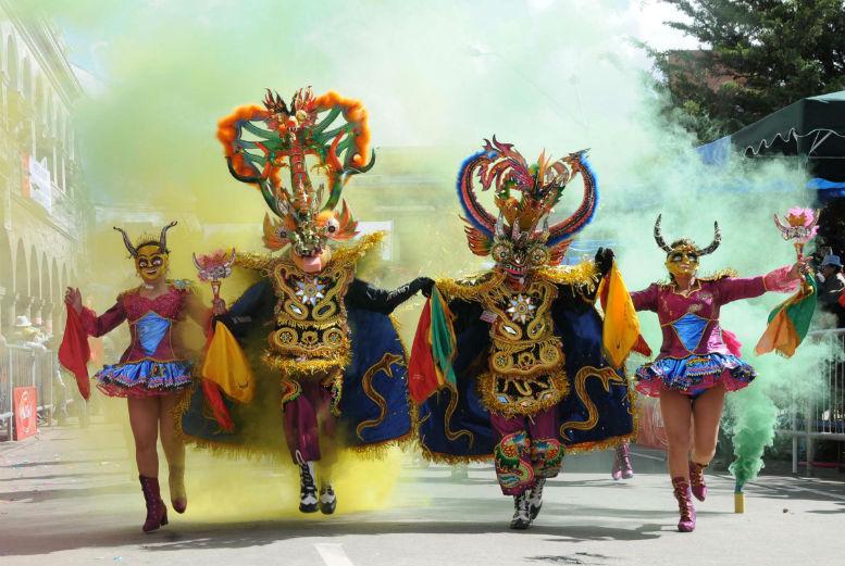 que ver en grecia en 5 dias carnaval