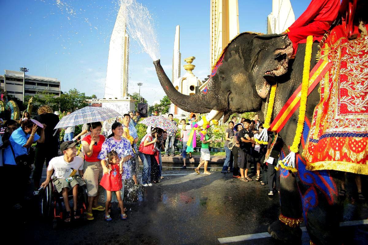 que ver a bangkok songkran festival