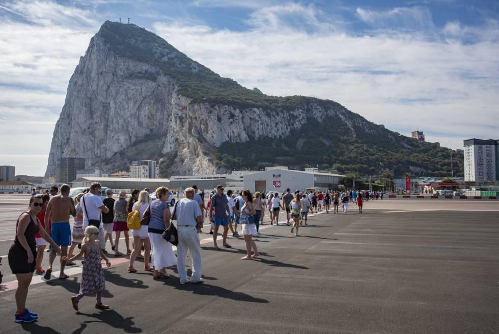turistas en gibraltar