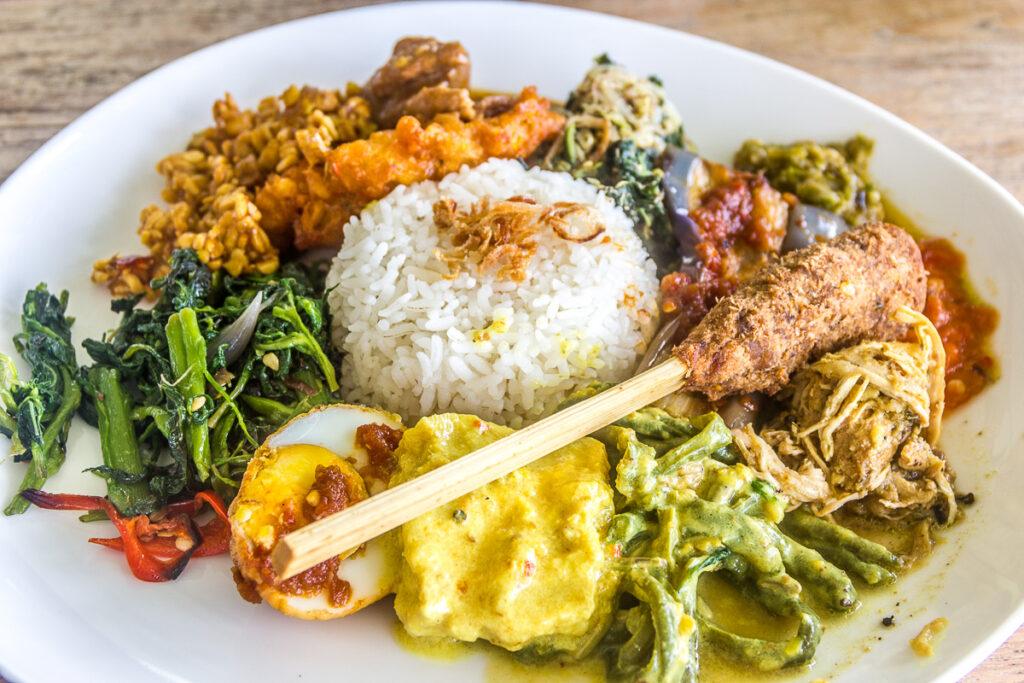 donde comer en indonesia